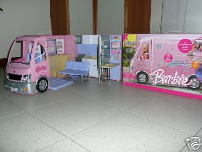 Il camper di barbie per le bambine for Accessori per la casa di barbie