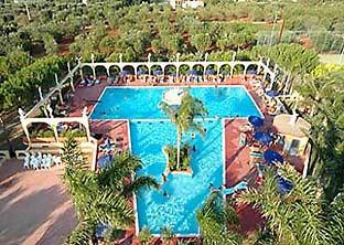 Carovigno br hotel green garden village - Green garden piscina ...
